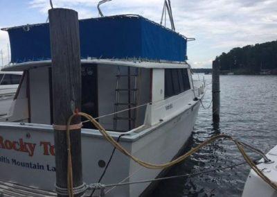 40' Mainship 40 Trawler